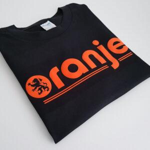 Oranje-Black-T-shirt-folded